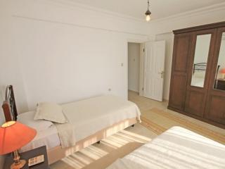 Nice 4 bedroom Akbuk Villa with Internet Access - Akbuk vacation rentals