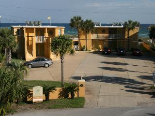 Perfect Condo with Deck and Internet Access - Fort Walton Beach vacation rentals