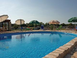 4 bedroom House with Internet Access in Muntic - Muntic vacation rentals