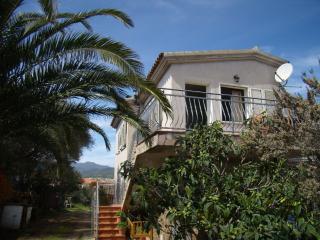 Cozy 2 bedroom Condo in Tanaunella - Tanaunella vacation rentals