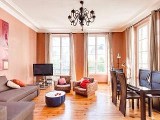 75sqm in Saint-Honoré Square: the heart of Paris - Paris vacation rentals