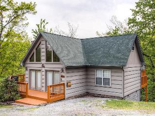 3 bedroom Cabin with DVD Player in Sevierville - Sevierville vacation rentals