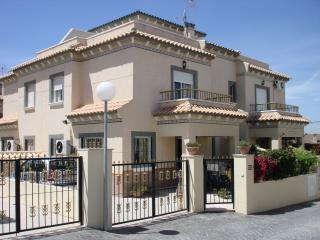 Perfect 2 bedroom Villa in La Marina with A/C - La Marina vacation rentals
