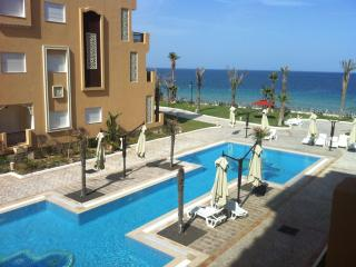 A louer Appartement pied dans l'eau Haut standing - Sousse vacation rentals