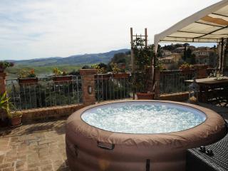 HOLIDAY SUITE LA TERRAZZA TERRICCIOLA VOLTERRA - Terricciola vacation rentals