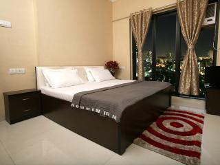 Service Apartment in Malad - Mumbai (Bombay) vacation rentals