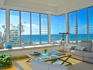 Blue Dog Beach House - Nest Holidays - Noosa vacation rentals