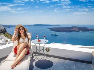 Dimitrios Cave House - Psarou vacation rentals