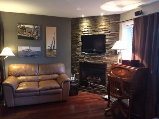1 bedroom modern condo 10 min to downtown Ottawa - Gatineau vacation rentals