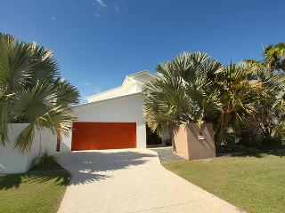 3 Bauhinia Crescent Marcoola - PET FRIENDLY, LINEN SUPPLIED, $500 BOND - Marcoola vacation rentals