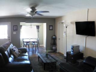 4 bed/2 bath Close to Downtown Flagstaff - Flagstaff vacation rentals