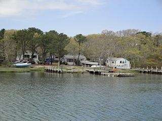 1 & 2 bedroom quaint cottages, salt water river - Mashpee vacation rentals