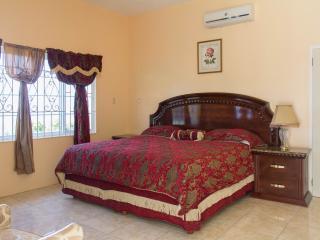 Chateau de la Rose  Moonlight Room - Ironshore vacation rentals