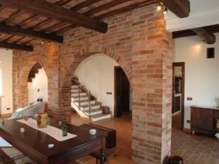 Le Crete Vacanze Appartamento Salvia - Asciano vacation rentals