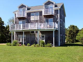 OPEN, AIRY, LIGHT AND SPACIOUS HOME IN THE KATAMA AREA - Edgartown vacation rentals