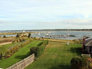 BEAUTIFUL WATERFRONT CAPTAIN'S HOUSE W/CENTRAL AIR - Edgartown vacation rentals