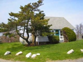 Comfortable 2 bedroom Chilmark House with Deck - Chilmark vacation rentals