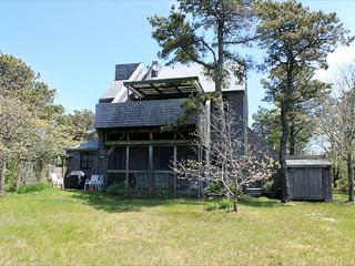 Lovely 3 bedroom Chappaquiddick House with Internet Access - Chappaquiddick vacation rentals