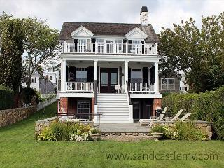 READ THE MORNING PAPER ON THE DECK NEAR WATER'S EDGE IN THIS CAPTAIN'S HOUSE - Edgartown vacation rentals