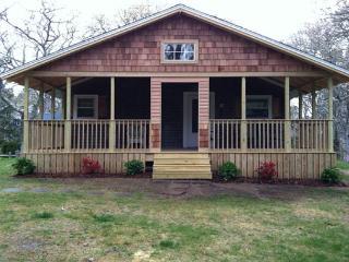 Nice 2 bedroom Edgartown House with Deck - Edgartown vacation rentals
