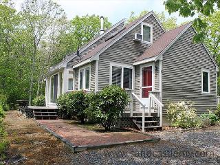Charming House with Deck and Internet Access - Edgartown vacation rentals