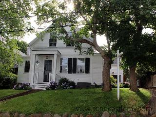 Newly Renovated In-town Edgartown Home - Edgartown vacation rentals