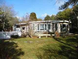 Wonderful Three Bedroom Home in Katama Close to South Beach - Edgartown vacation rentals