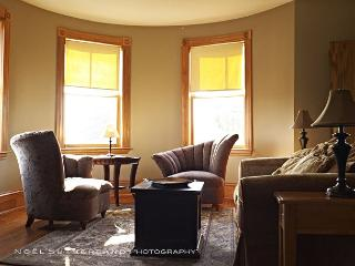 Charming apartment in Central Boston close to all attractions & transport! - Boston vacation rentals