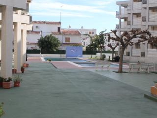 Nice 2 bedroom Creixell Apartment with Internet Access - Creixell vacation rentals