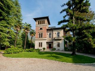 Charming 8 bedroom Villa in Mandello del Lario - Mandello del Lario vacation rentals