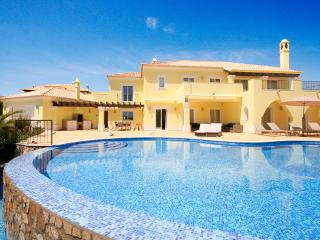 Casa Amarela, Stunning 5 bedroom villa - Lagos vacation rentals