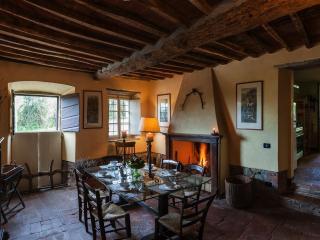 Villa Maria Vittoria Cottage Rosmarino - Lucca vacation rentals