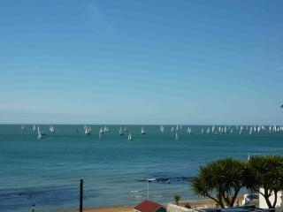 Holiday apartment in Ventnor, close to beach - Ventnor vacation rentals