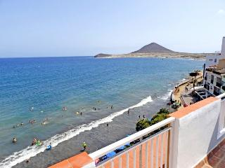 Beautiful beachfront Penthouse with wifi & sat tv - El Medano vacation rentals