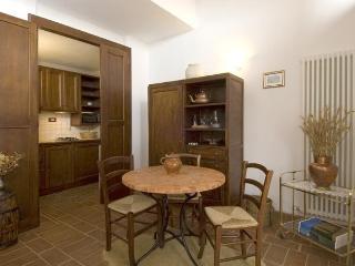 Le Crete Vacanze Appartamento Edera - Asciano vacation rentals
