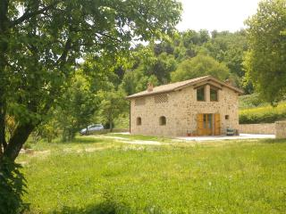 Private, elegant zen cottage, 10 min. from Siena - Siena vacation rentals