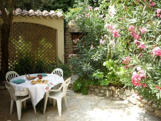 2 bedroom House with Internet Access in Vinsobres - Vinsobres vacation rentals
