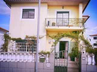 Casa alcina - Amarante vacation rentals