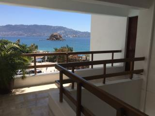 Condominio Capri, amazing view - Acapulco vacation rentals