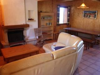 Bright 4 bedroom Ski chalet in Peyragudes - Peyragudes vacation rentals