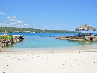 Linga Awile Villa 3BR - Discovery Bay vacation rentals