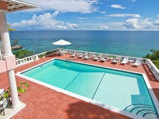 Lovely 5 bedroom Tower Isle House with Dishwasher - Tower Isle vacation rentals