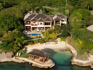Gorgeous 6 bedroom House in Discovery Bay - Discovery Bay vacation rentals