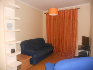 Lovely 2 bedroom Aveiro Apartment with Internet Access - Aveiro vacation rentals