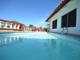 Pineapple II - 2 BR-Silver Sands 2BR - Discovery Bay vacation rentals