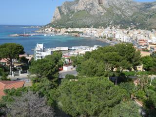 2 bedroom Resort with Internet Access in Sferracavallo - Sferracavallo vacation rentals