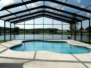 3 Bedroom Pool Home With Pool Deck Overlooking Large Lake. 3045ELD. - Buena Ventura Lakes vacation rentals