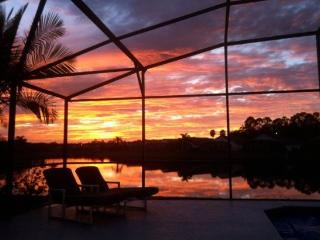 3 Bedroom Pool Home Overlooking Lake In Eagle Pointe Community. 606EPS. - Orlando vacation rentals