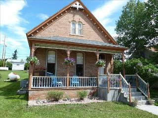 Great Family Getaway w/ Lots of Space, New Carpet - Custer vacation rentals