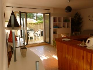 Nice Studio with Internet Access and Central Heating - Anglet vacation rentals